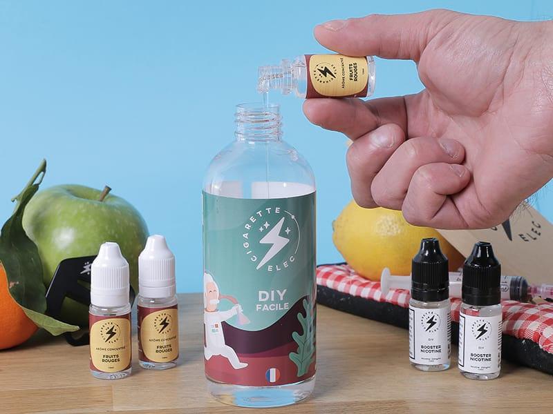 Verser les arômes et la nicotine dans la base neutre